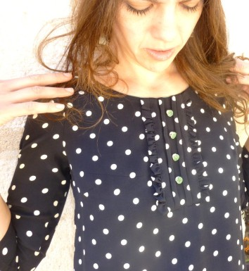 Top plastron pois 2