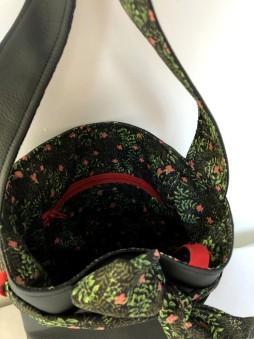 Papillote noir fleurs rouge 4